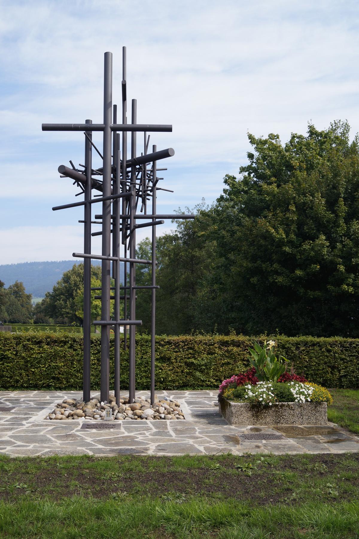 KZ-Ehrenmal von Bildhauer Roland Martin